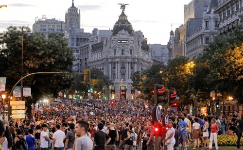 Eviction of Puerta del Sol backfires — big time! #sol #acampadasol #nopararemos